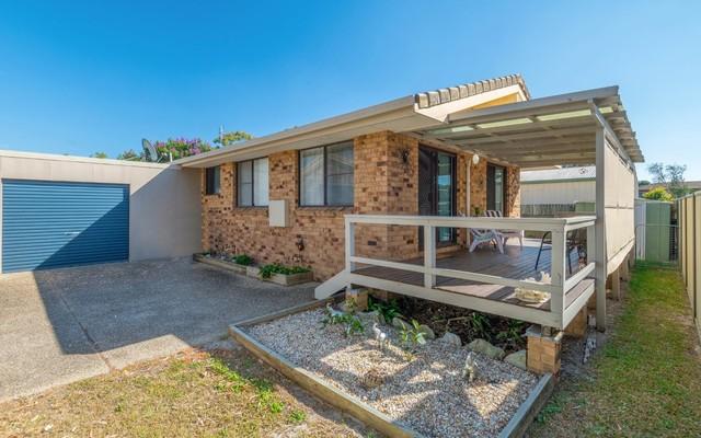 2/37 Gumnut Road, Yamba NSW 2464