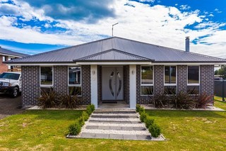 5 Therese Street