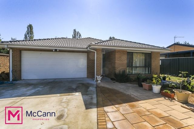 19 Keverstone Circuit, Isabella Plains ACT 2905