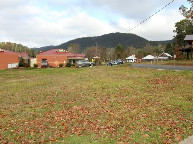 1 and 3 Falls Road, Marysville VIC 3779