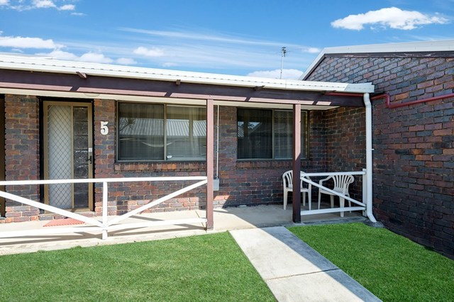 5/124 Oxley Ave, Woody Point QLD 4019