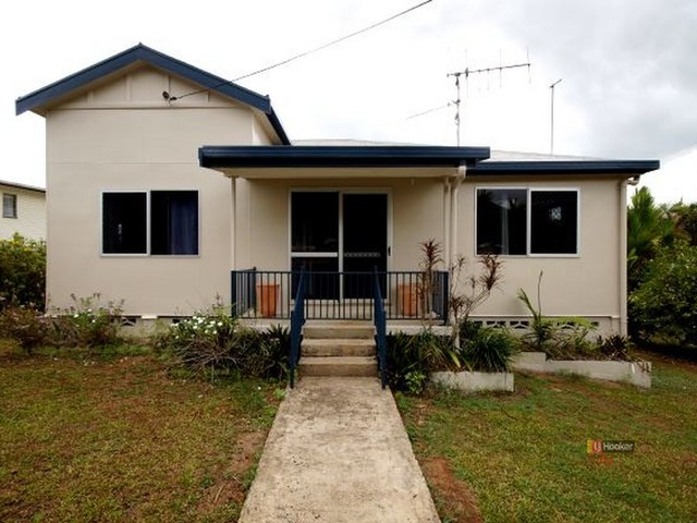 2 Murray St, Tully QLD 4854