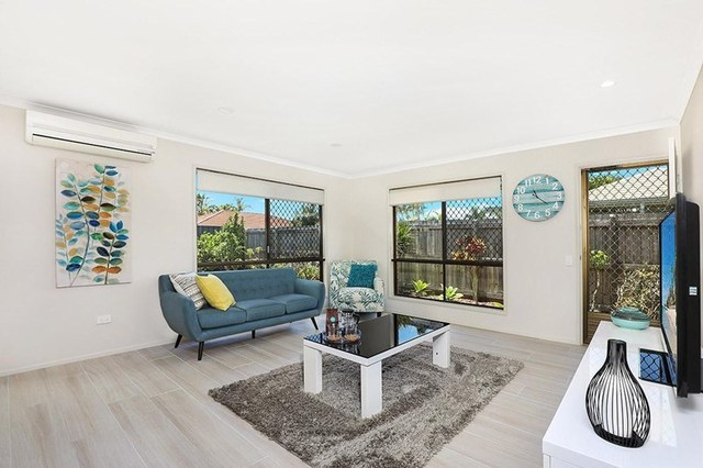 2/5 Caldwell Street, Golden Beach QLD 4551