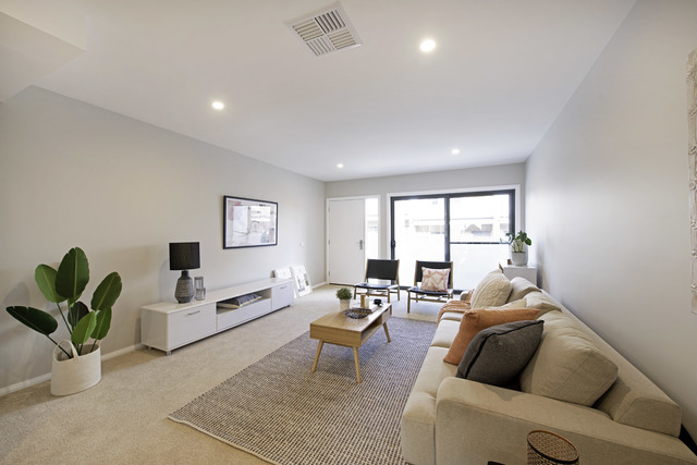 Evergreen - 3 Bedroom Townhouse, Coombs ACT 2611