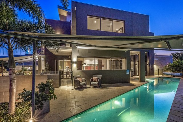 23A Inga Avenue, Surfers Paradise QLD 4217