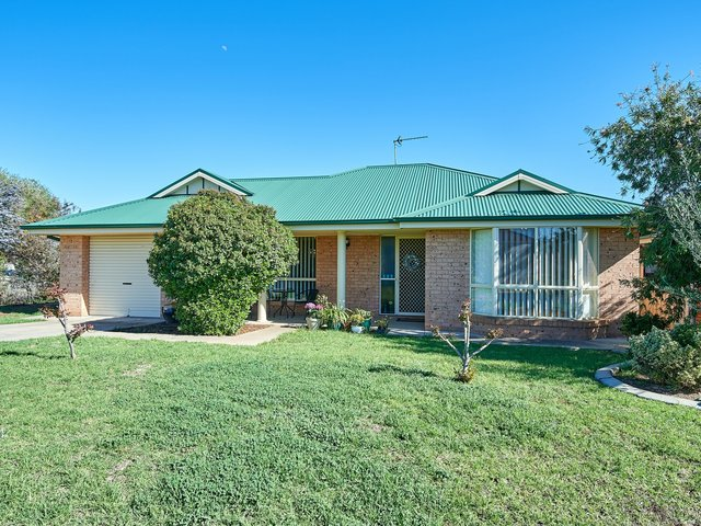 25 Wonkana Road, NSW 2650