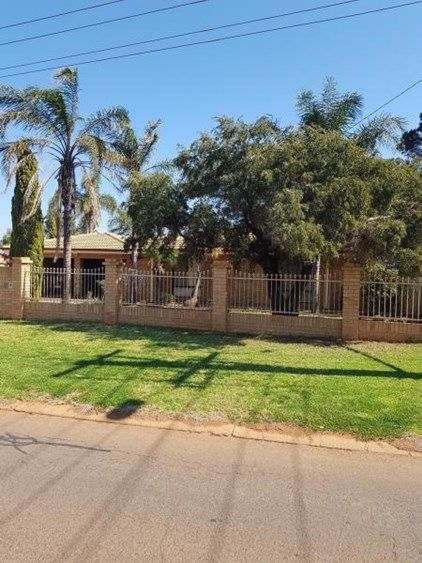 10 Hampden Street, South Kalgoorlie WA 6430