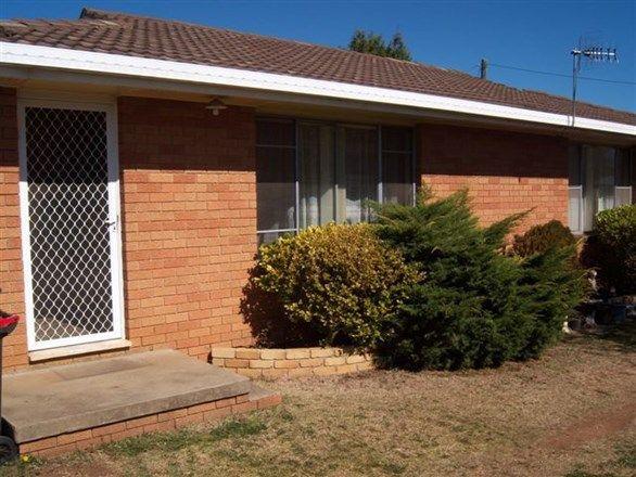 2/27 Lewis Street, Glen Innes NSW 2370
