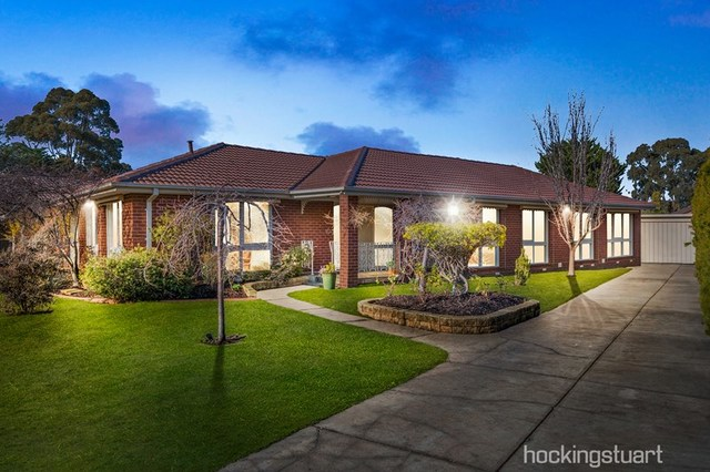 7 Linlithgow Way, Melton West VIC 3337