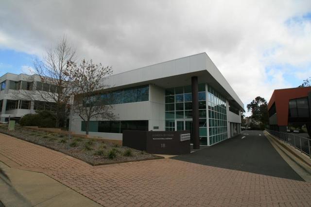 Unit  5/18 Napier Close, ACT 2600