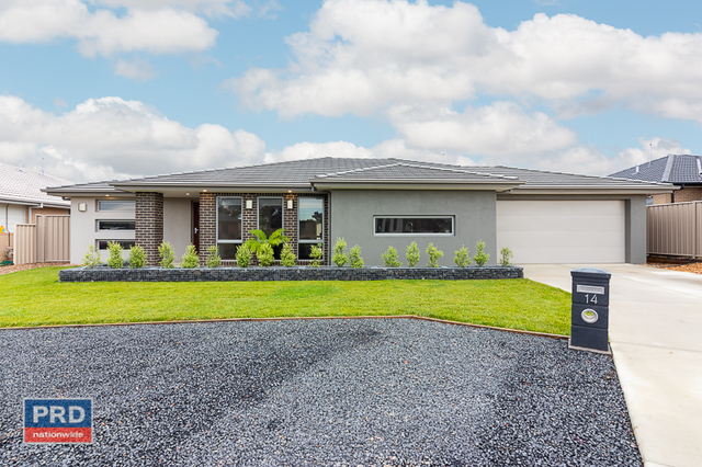 14 Angus Place, NSW 2621