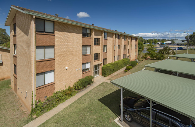 7/2 Walsh Place, ACT 2605