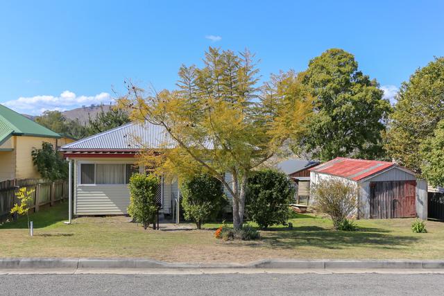 41 Windeyer Street, Dungog NSW 2420