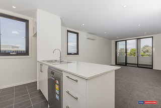 57/109 Canberra Ave