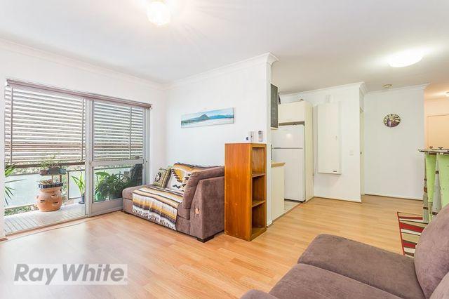 2/15 Weston Street, QLD 4151