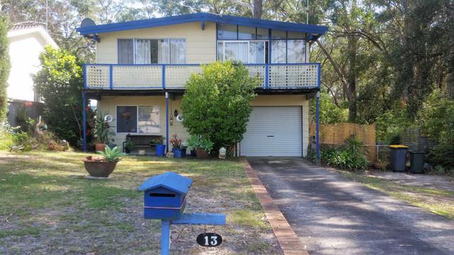 13 Ocean Street, Mollymook NSW 2539