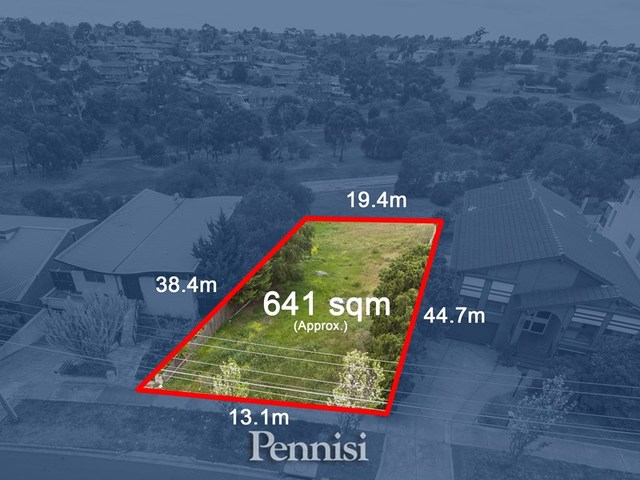 8 Moorna Drive, Airport West VIC 3042