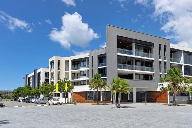 2102/1 Marina Promenade, Paradise Point QLD 4216