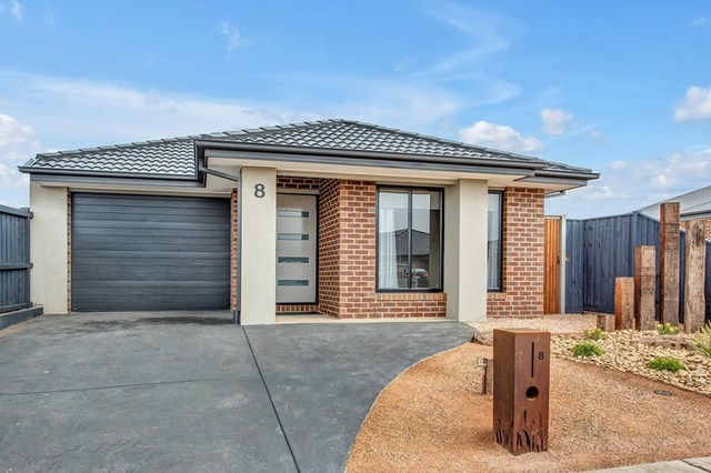 8 Fragrant Street, Sunbury VIC 3429