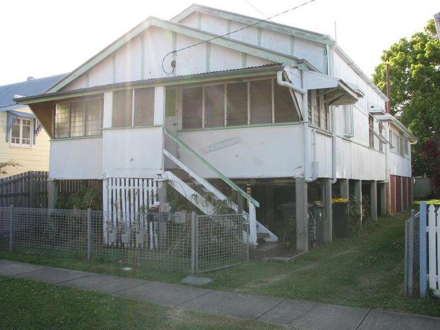 2/21 Clara Street, Wynnum QLD 4178