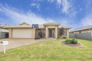 6 Sellers Ave