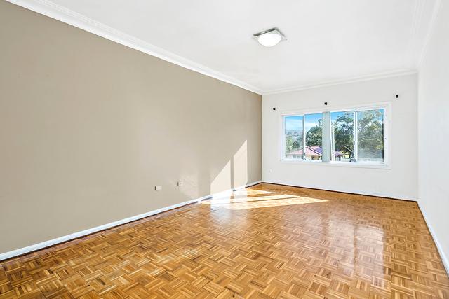 21 Farmborough Road, Unanderra NSW 2526