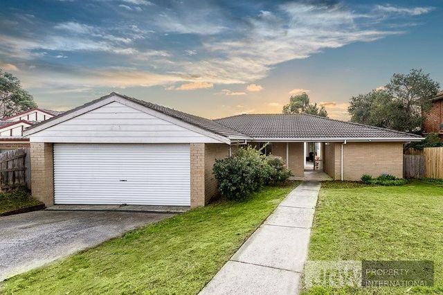 13 Marraroo Close, Bayswater North VIC 3153