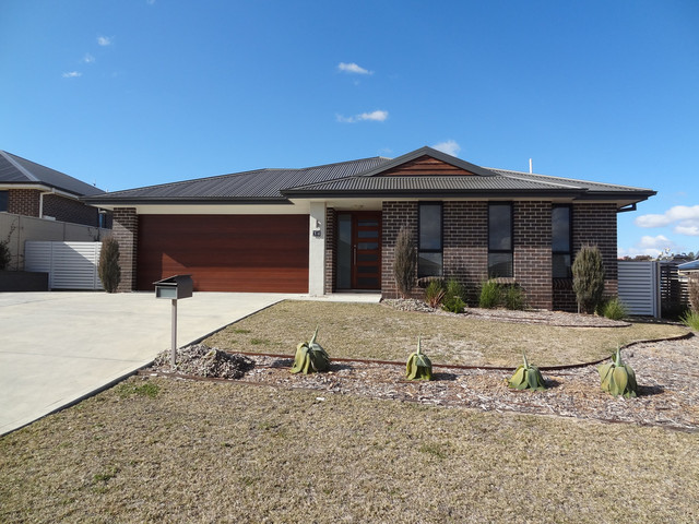 34 Amber Close, Kelso NSW 2795