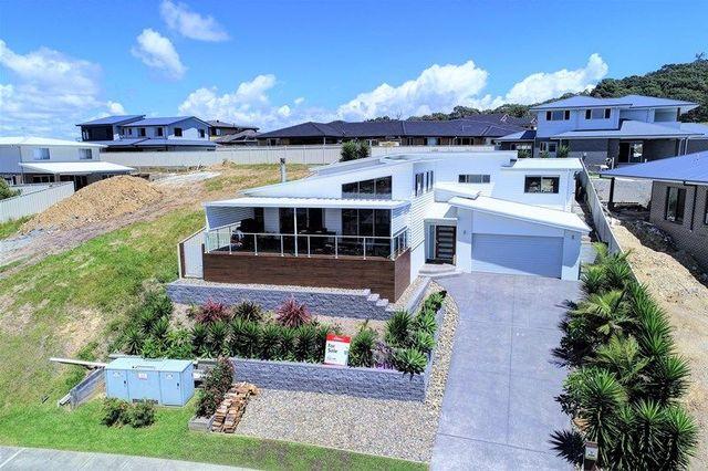 13 Manara Crescent, Forster NSW 2428