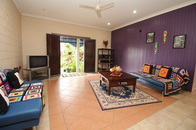 6 Coates Street, Mount Louisa QLD 4814