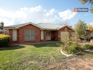 Unit 2/45 Jack Avenue Mount Austin NSW 2650
