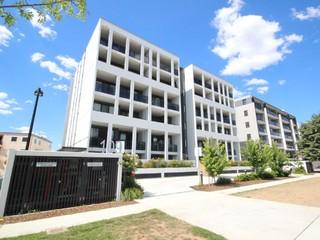 53/109 Canberra Avenue