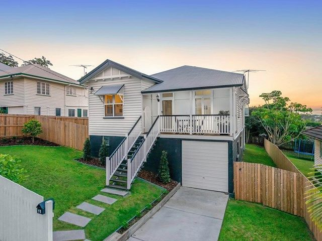 11 Barton Street, Holland Park West QLD 4121
