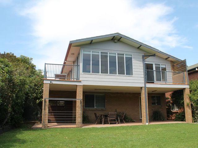4 Iluka Avenue, Malua Bay NSW 2536