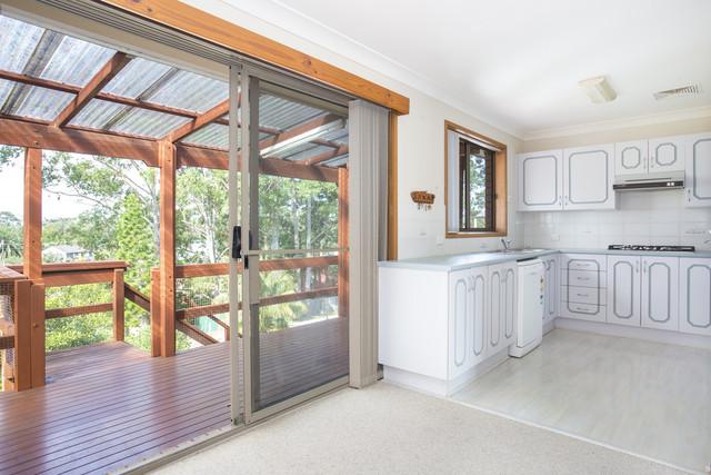 20 Torquay Drive, Lake Tabourie NSW 2539