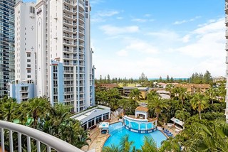 3066/2623-2633 Gold Coast Highway