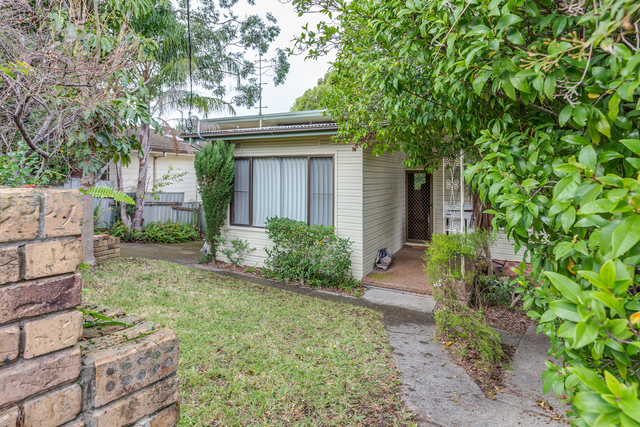 24 Valley View Crescent, Glendale NSW 2285