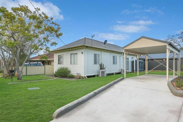 1 Western Avenue, Tarro NSW 2322