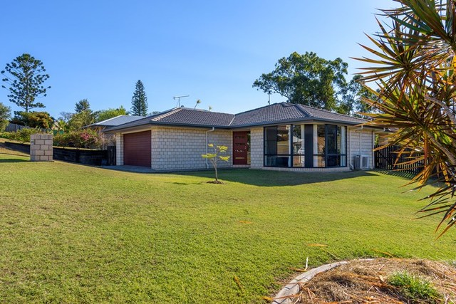 2 Lapis Court, Southside QLD 4570