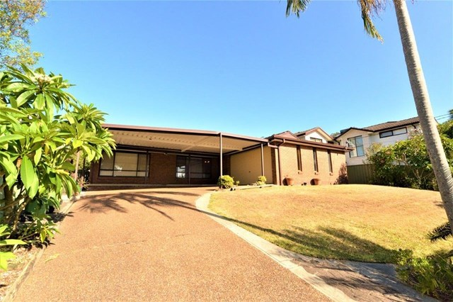 60 Beaumont Ave, Wyoming NSW 2250
