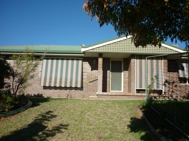 1/14 Hinton Drive, Gunnedah NSW 2380