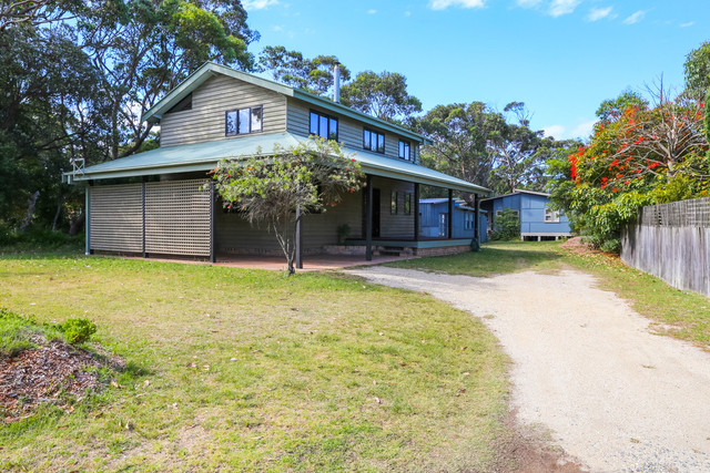 5 Candlagan Dr, Broulee NSW 2537