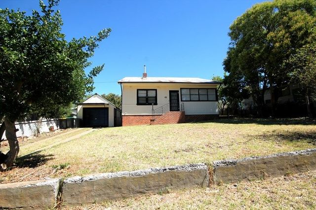 43 Yass Street, Young NSW 2594