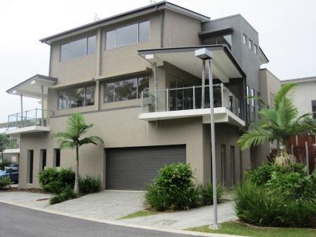 17 Great Southern Drive, Robina QLD 4226