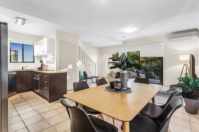 2/38 Alva Terrace, Gordon Park QLD 4031