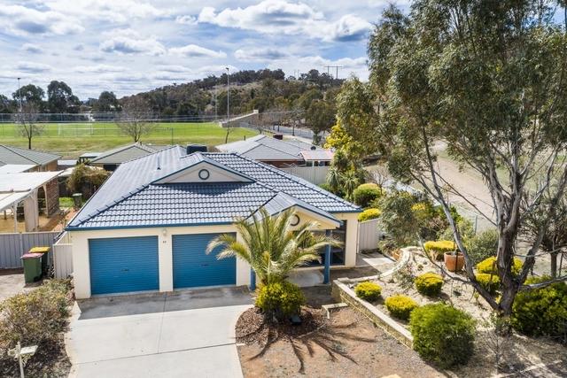 85 Thomas Royal Gardens, Queanbeyan East NSW 2620