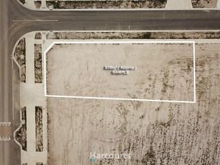 99 Newgrange Blvd