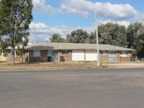 25 Fry Street, Tara QLD 4421