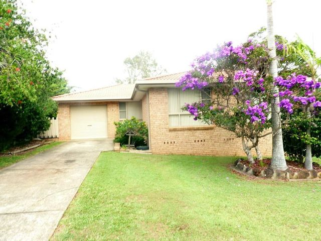 4 Lakeview Road, Lake Cathie NSW 2445