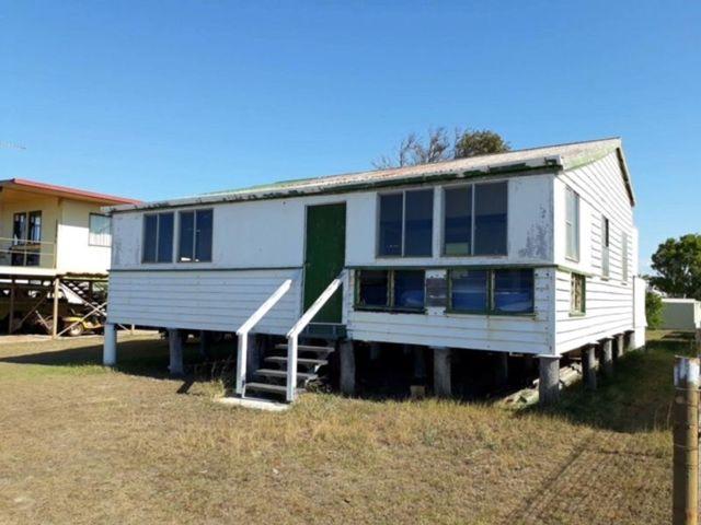 11 Seaview Esplanade, Curtis Island QLD 4680